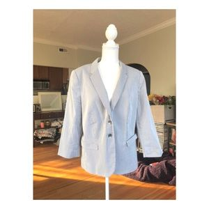 The Limited XL Women's Blazer/Suit Jacket.